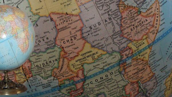 El globo y mapa de África - Sputnik Mundo