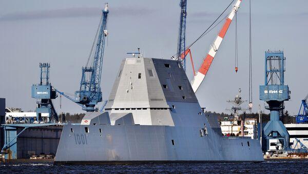El destructor USS Michael Monsoor, segundo buque de guerra de clase Zumwalt de la Armada de EEUU - Sputnik Mundo