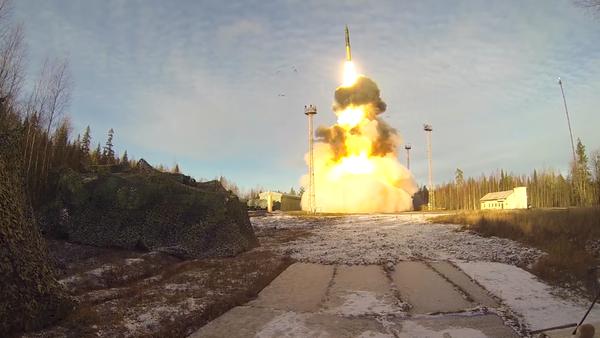 Las Fuerzas de Misiles Estratégicos de Rusia muestran toda su potencia - Sputnik Mundo