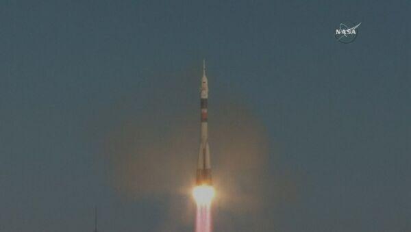 El lanzamiento del cohete Soyuz con los nuevos tripulantes de la EEI - Sputnik Mundo
