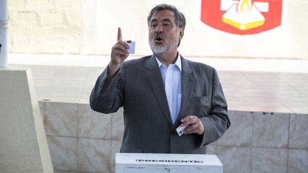 Alejandro Guillier, el candidato oficialista a la presidencia de Chile - Sputnik Mundo