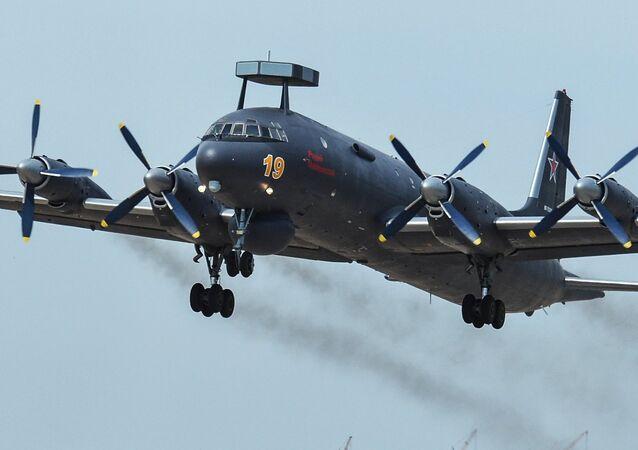 Avión antisubmarino Il-38N