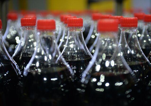 Botellas de bebida gaseosa