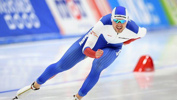 Denís Yuskov, patinador ruso (archivo) - Sputnik Mundo