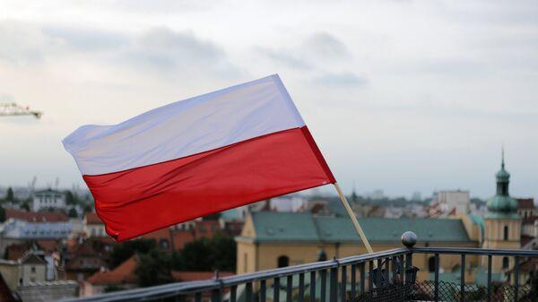 Bandera de Polonia en Varsovia, la capital del país - Sputnik Mundo