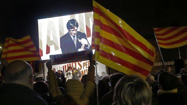 Carles Puigdemont, el expresidente del Gobierno catalán - Sputnik Mundo