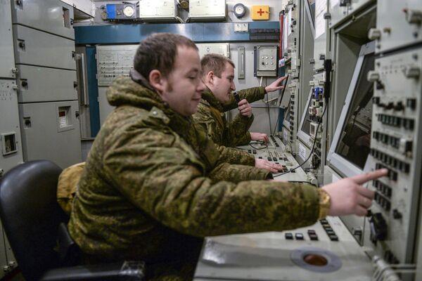 El 'Triunfo', a toda máquina: las maniobras de los S-400 - Sputnik Mundo