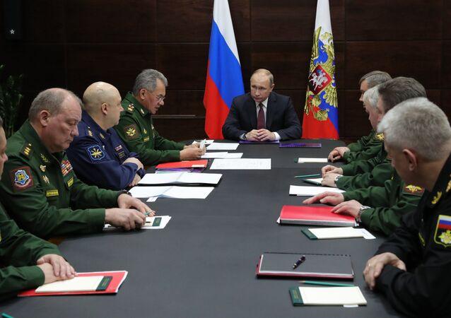 El presidente de Rusia, Vladímir Putin, en una reunión del Ministerio de Defensa