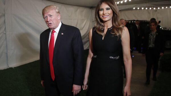 Donald Trump, el presidente de EEUU junto a su esposa Melania Trump. - Sputnik Mundo