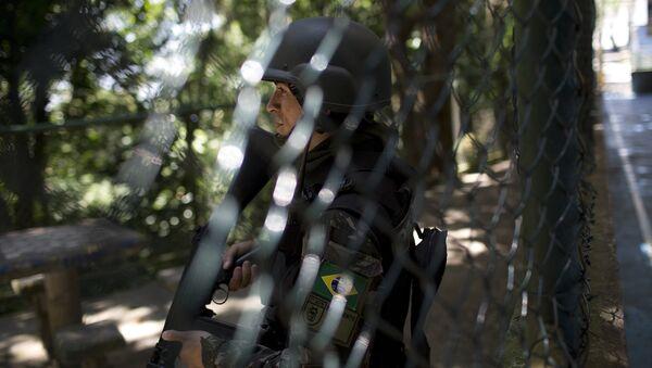 Policía militar brasileña en la favela Rocinha de Río de Janeiro (Archivo) - Sputnik Mundo
