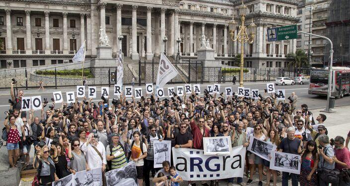 Reporteros gráficos argentinos piden al Gobierno que no dispare contra la prensa