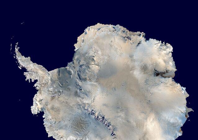 Imagen satelital de la Antártida