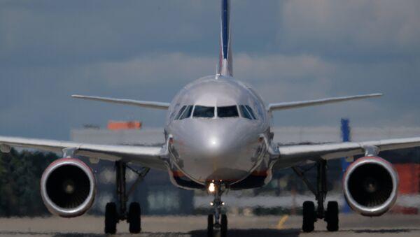Un avión Airbus A320 (imagen referencial) - Sputnik Mundo