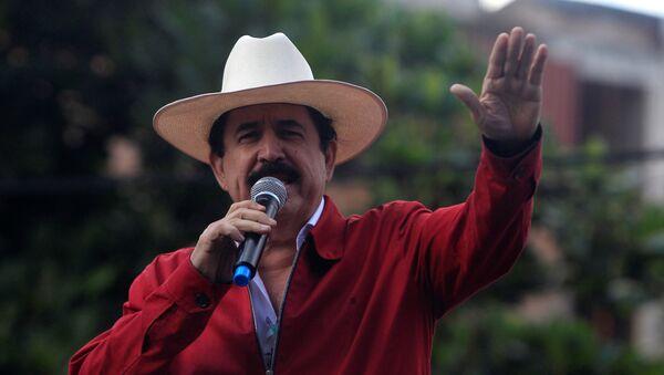 Manuel Zelaya, expresidente de Honduras - Sputnik Mundo