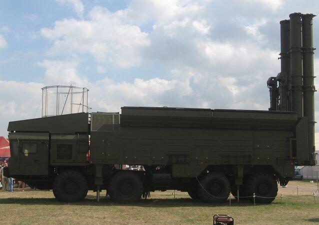 El sistema de misiles de base móvil Club-M, el antecesor tecnológico para el sistema Club-T dotado con los Kalibr (archivo; agosto de 2007)