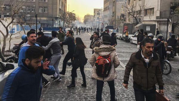 Protestas en Teherán - Sputnik Mundo