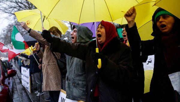 Las protestas contra el Gobierno iraní - Sputnik Mundo