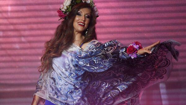 Elizaveta Rodina durante el concurso de belleza Mrs. Rusia 2017 - Sputnik Mundo