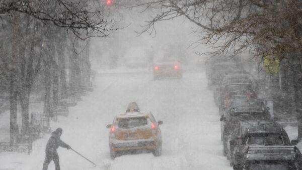 Una fuerte tormenta de nieve en la costa este de EEUU, 4 de enero de 2018 - Sputnik Mundo