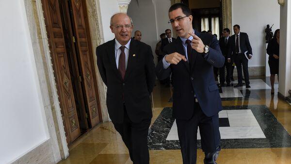 El canciller portugués, Augusto Santos Silva, y su homólogo venezolano, Jorge Arreaza (archivo) - Sputnik Mundo