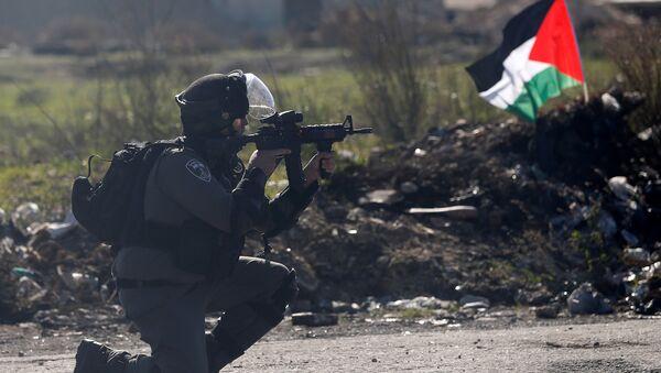 Un policía israelí en Cisjordania - Sputnik Mundo