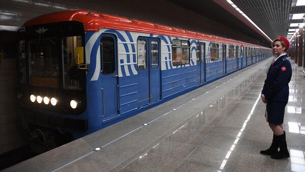 Un tren del metro de Moscú (imagen referencial) - Sputnik Mundo