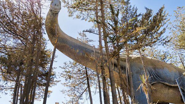Réplica de un titanosaurio - Sputnik Mundo