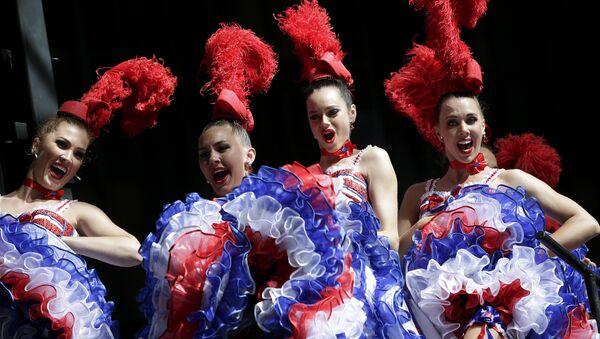 Bailadoras frenceses de Moulin Rouge (imagen referencial) - Sputnik Mundo