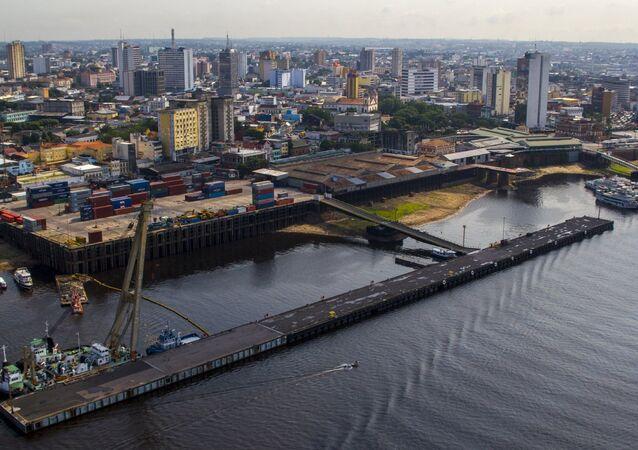 Puerto de Manaos, Brasil, sobre el río Amazonas