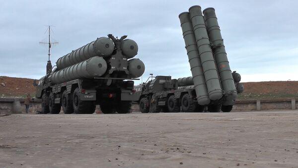 A la defensa de Rusia: una nueva tanda de S-400 entra en servicio en Crimea - Sputnik Mundo