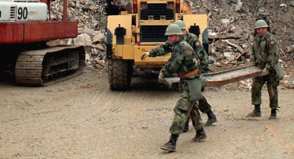 Militares serbios en Belgrado, en 1999