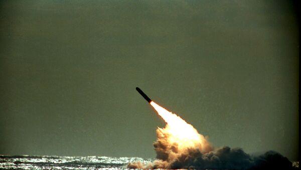 Lanzamiento de misil balístico de EEUU (1989) - Sputnik Mundo