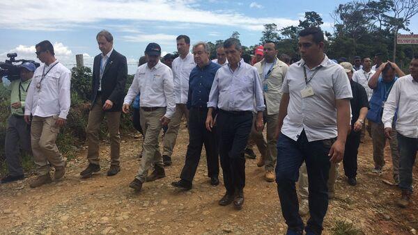 António Guterres, secretario general de la ONU, durante su visita este domingo al municipio colombiano de Mesetas (departamento del Meta, centro) - Sputnik Mundo