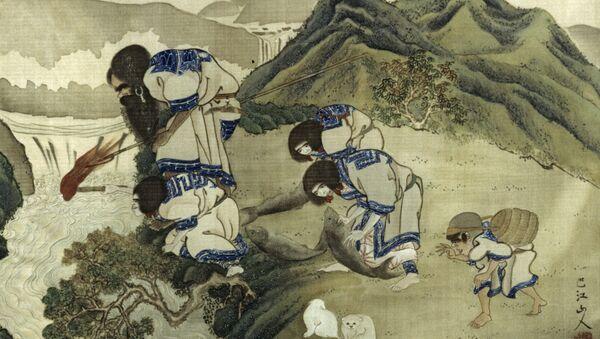 Una pintura antigua de un artista japonés desconocido que muestra la pesca de los ainu en la isla de Hokkaido. De la colección de la Kunstkámera de San Petersburgo. Reproducción - Sputnik Mundo