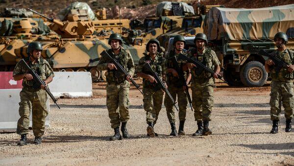 Militares turcos en la frontera con Siria - Sputnik Mundo