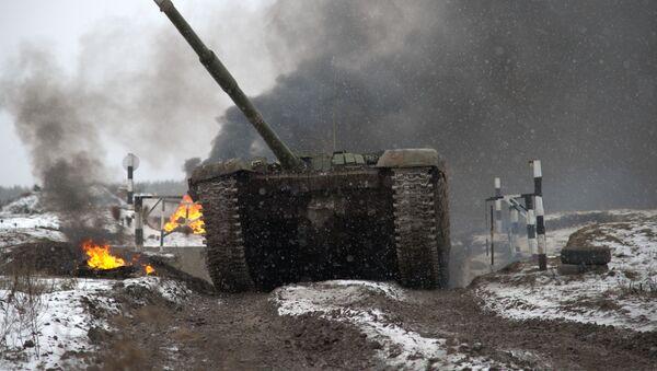 El fuego del que no se puede escapar: el Biatlón de Tanques comienza en Rusia - Sputnik Mundo