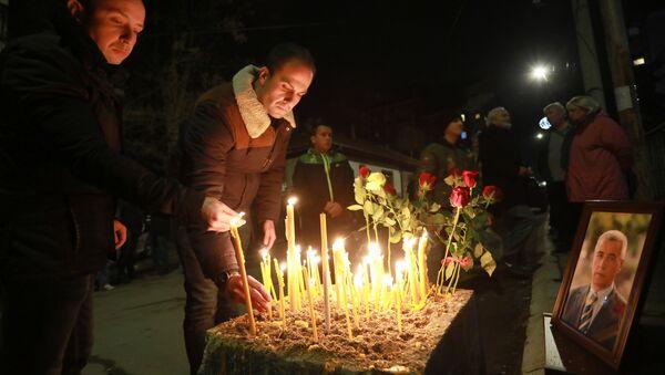 Homenaje al político serbio Oliver Ivanovic - Sputnik Mundo