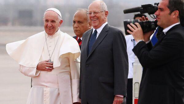 Papa Francisco y Pedro Pablo Kuczynski, presidente de Perú - Sputnik Mundo