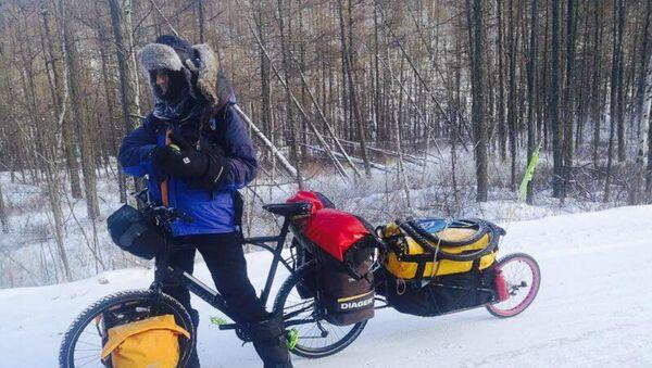 Yves Chaloin, el francés que se atrevió a cruzar en bicicleta el este de Siberia - Sputnik Mundo
