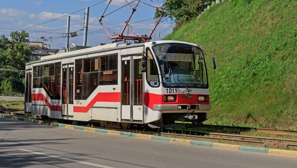 Tranvía 71−407 en Nizhni Nóvgorod - Sputnik Mundo