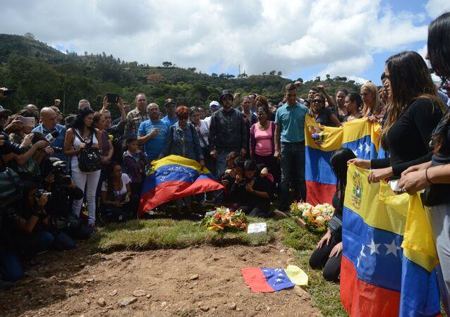 Familiares despidieron a Abram Agostini y José Luis Díaz Pimentel a cinco días de su muerte en el operativo para la captura del policía sublevado Óscar Pérez