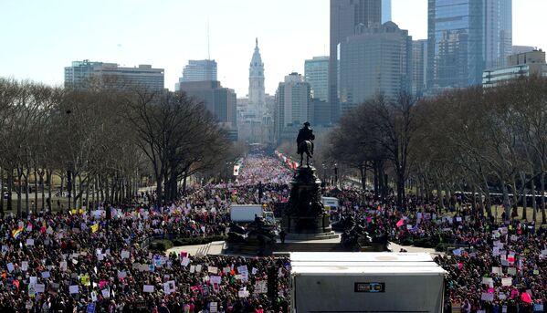 ¿Por qué demonios sigues aquí?: la Marcha de las Mujeres anti-Trump en EEUU - Sputnik Mundo