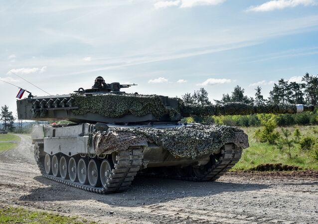 Tanque Leopard 2A4