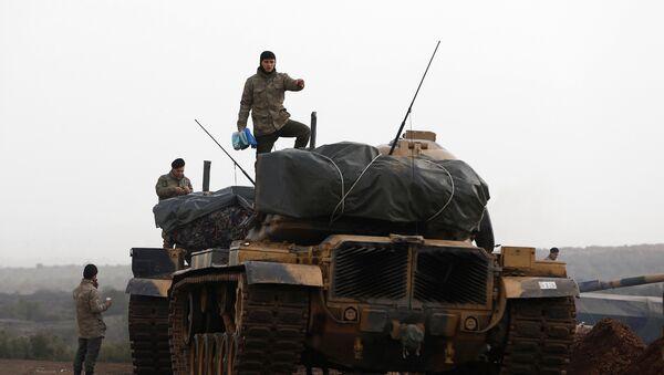 Fuerzas Armadas de Turquia en la frontera con Siria - Sputnik Mundo