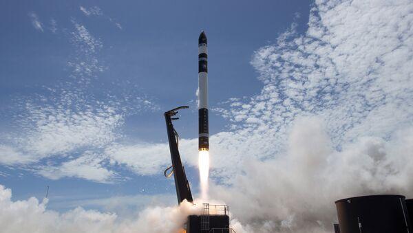 El cohete Electron se lanza de Mahia, Nueva Zelanda - Sputnik Mundo