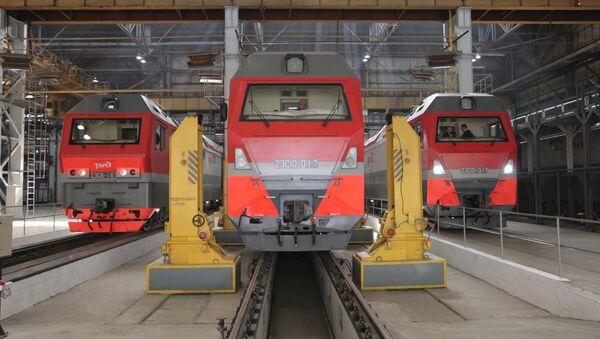 Locomotoras eléctricas producidas por la compañía rusa Sinara y la empresa alemana Siemens AG (archivo) - Sputnik Mundo