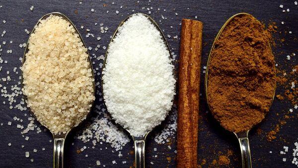Cucharadas de azúcar (imagen referencial) - Sputnik Mundo