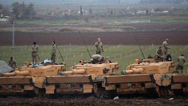 Soldados turcos en la frontera entre Turquía y Siria - Sputnik Mundo