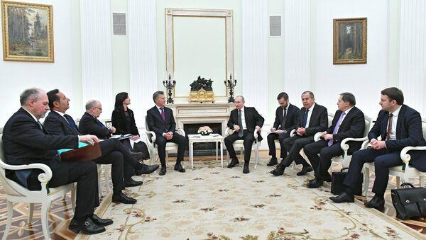 El encuentroe entre el presidente de Rusia Vladimir Putin y el presidente de Argentina Mauricio Macri, Moscú, Rusia - Sputnik Mundo