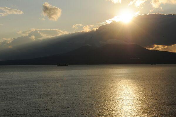 La 'perla negra' de las Kuriles: la belleza de la isla de Kunashir - Sputnik Mundo